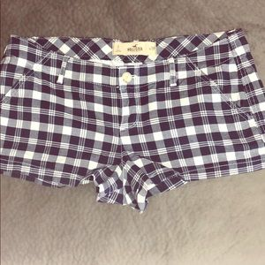 🔥Like New Hollister Plaid Short 🔥